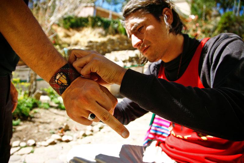 En Busca de Babilonia, Hector Sanchez