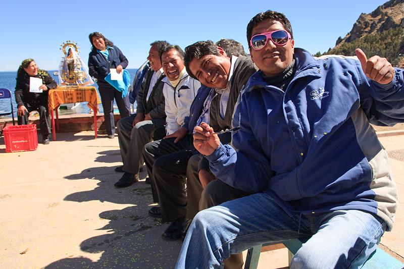 pink sunglasses, Titikaka Lake